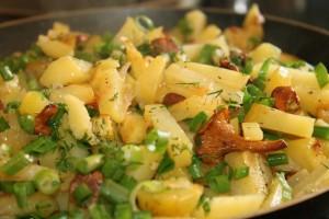 Картошка с лисичками запеченная в духовке