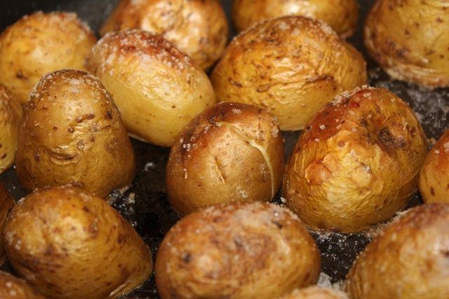 Картофеля в мундире с фото
