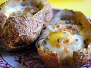 Картошка с яйцом запеченная в духовке