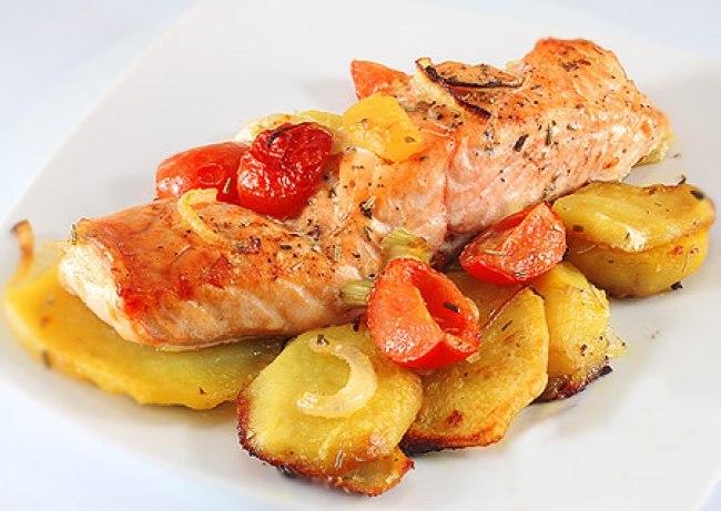 лосось с картошкой в духовке