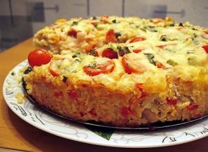 Запеканка с рисом и мясом приготовленная в духовке