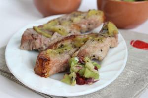 Мясо с киви