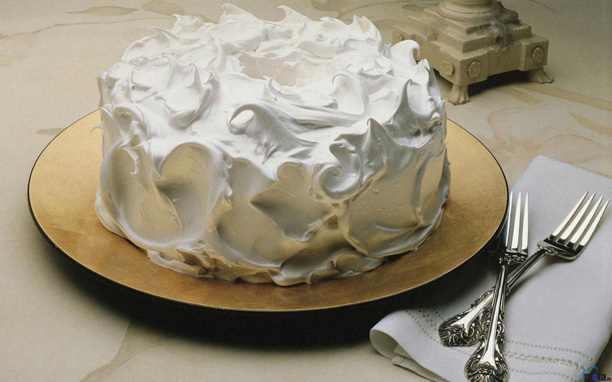 Как сделать белок для украшения торта