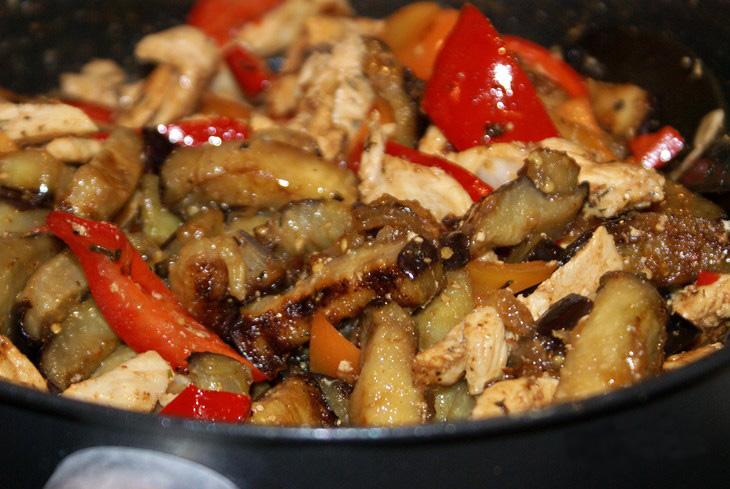 рецепт баклажаны запеченные в духовке с курицей и