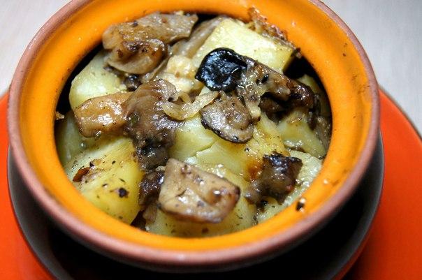 Картошка в горшочках с грибами и курицей рецепт с фото