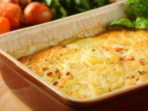 минтай в духовке с картошкой