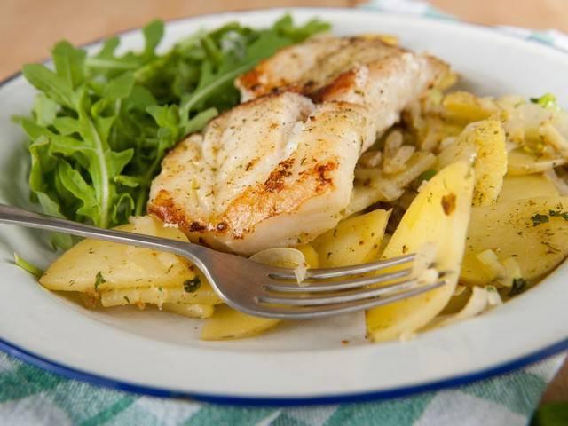 Минтай с овощами и картофелем в духовке рецепт