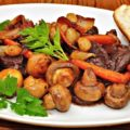 мясо с грибами в духовке
