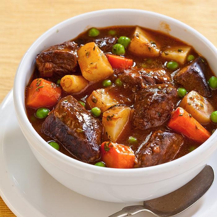 Жаркое с мясом и овощами в духовке с фото