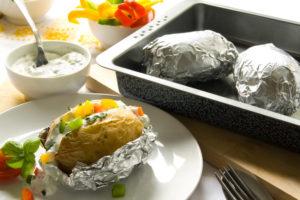 Картошка в фольге в духовке