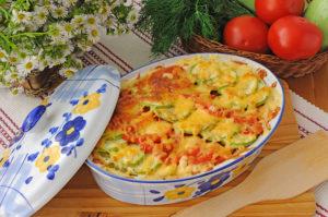 Запеканка из кабачков и помидоров под сыром