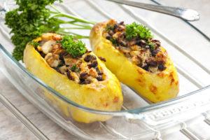 Картошка фаршированная грибами и куриным филе