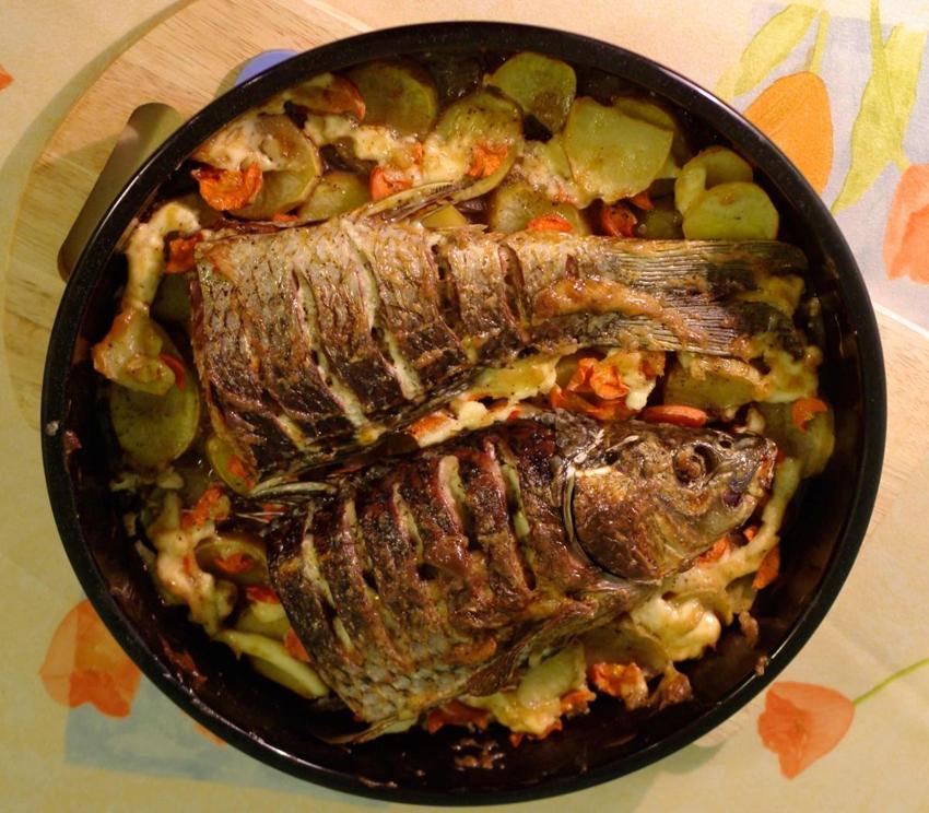 Рецепт приготовления сазана в духовке с картошкой