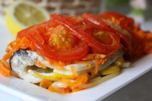 окунь в духовке с овощами
