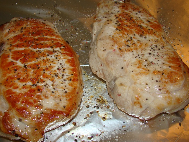 Стейк из свинины в фольге в духовке