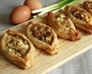 открытые пирожки с мясом в духовке