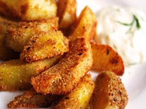 печеная картошка в панировочных сухарях