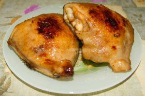 куриные бедра запечены в духовке