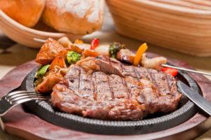 говяжий стейк запеченный в духовке