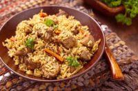 рис с мясом в духовке