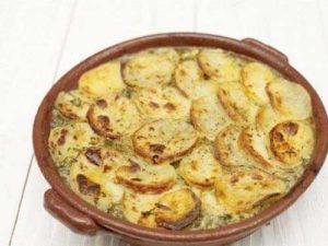 картошка по-французски с фаршем в духовке